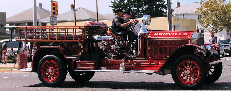 1926 American LaFrance fire engine in a parade.